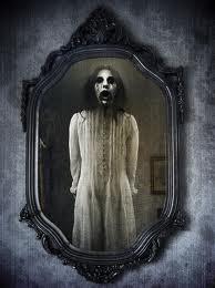 vaiduoklis veidrodyje