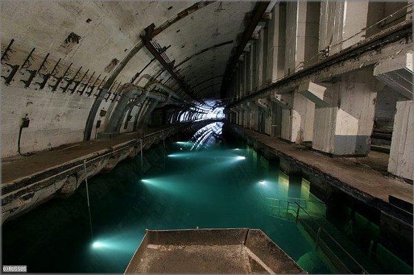 Apleista Sovietų povandeninių laivų bazė