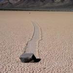 Įminta savaime judancių akmenų mįslė