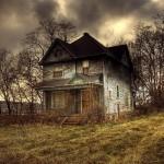 Namas miško glūdomoje