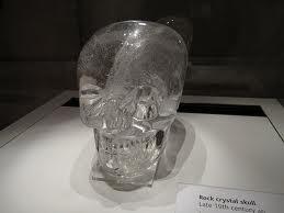 Paslaptingoji krištolinė kaukolė