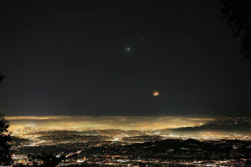Mėnulis, Venera ir Jupiteris virš Los Andželo