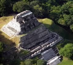 maju piramide