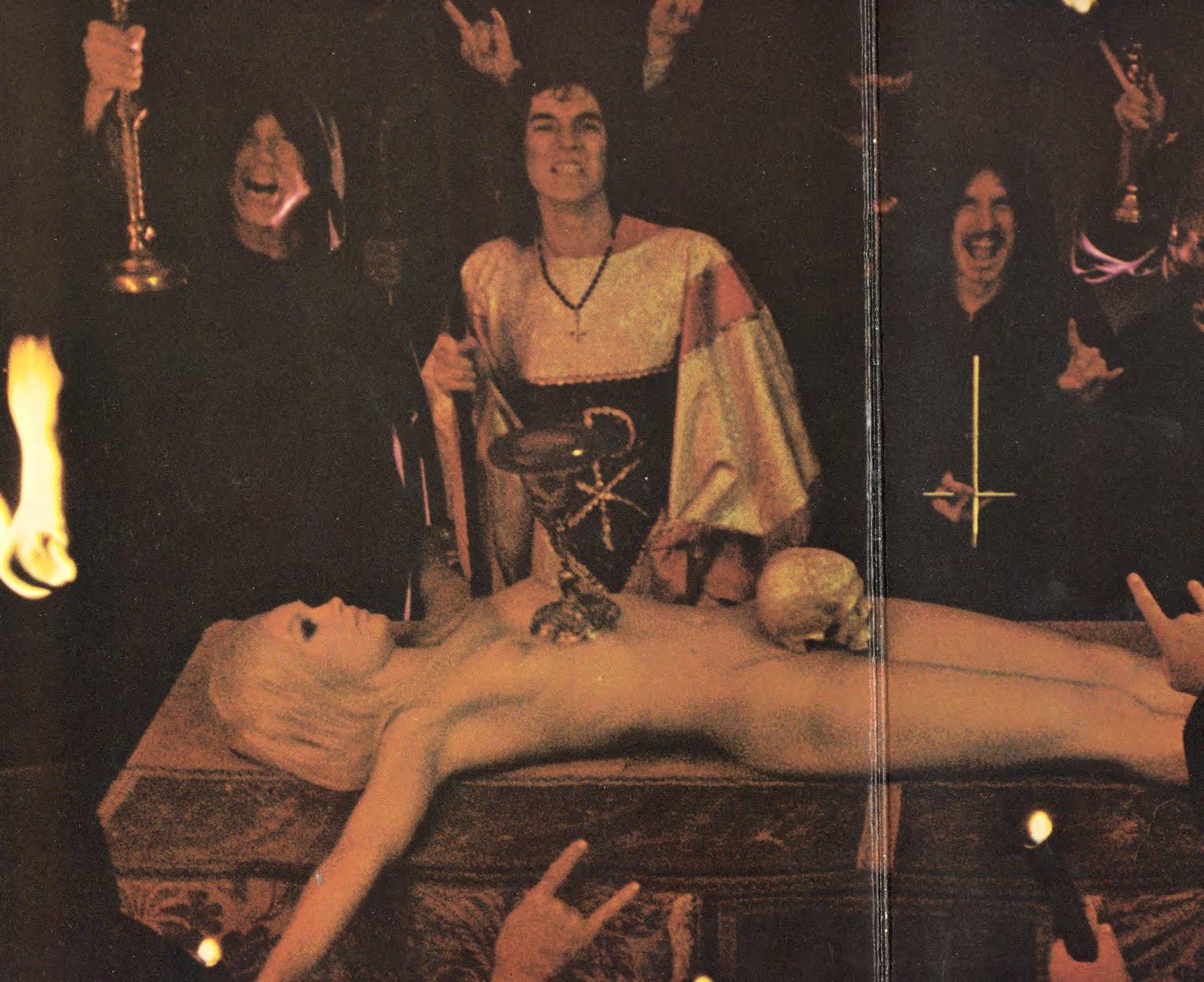 http://apiemistika.lt/wp-content/uploads/2013/04/juodosios-misios-satanistai.jpg