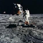 Kas Mėnulyje gyvena?