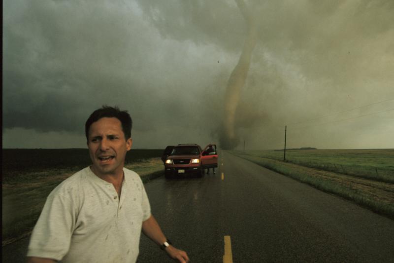 Amerikiečiai nufilmavo, kas vyksta tornado viduje