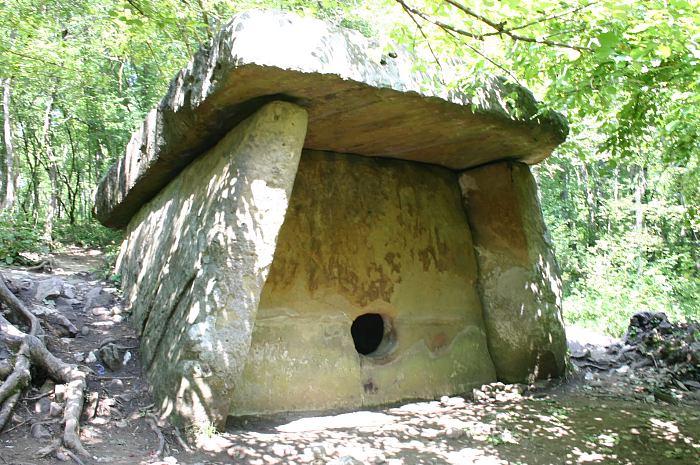 dolmenai