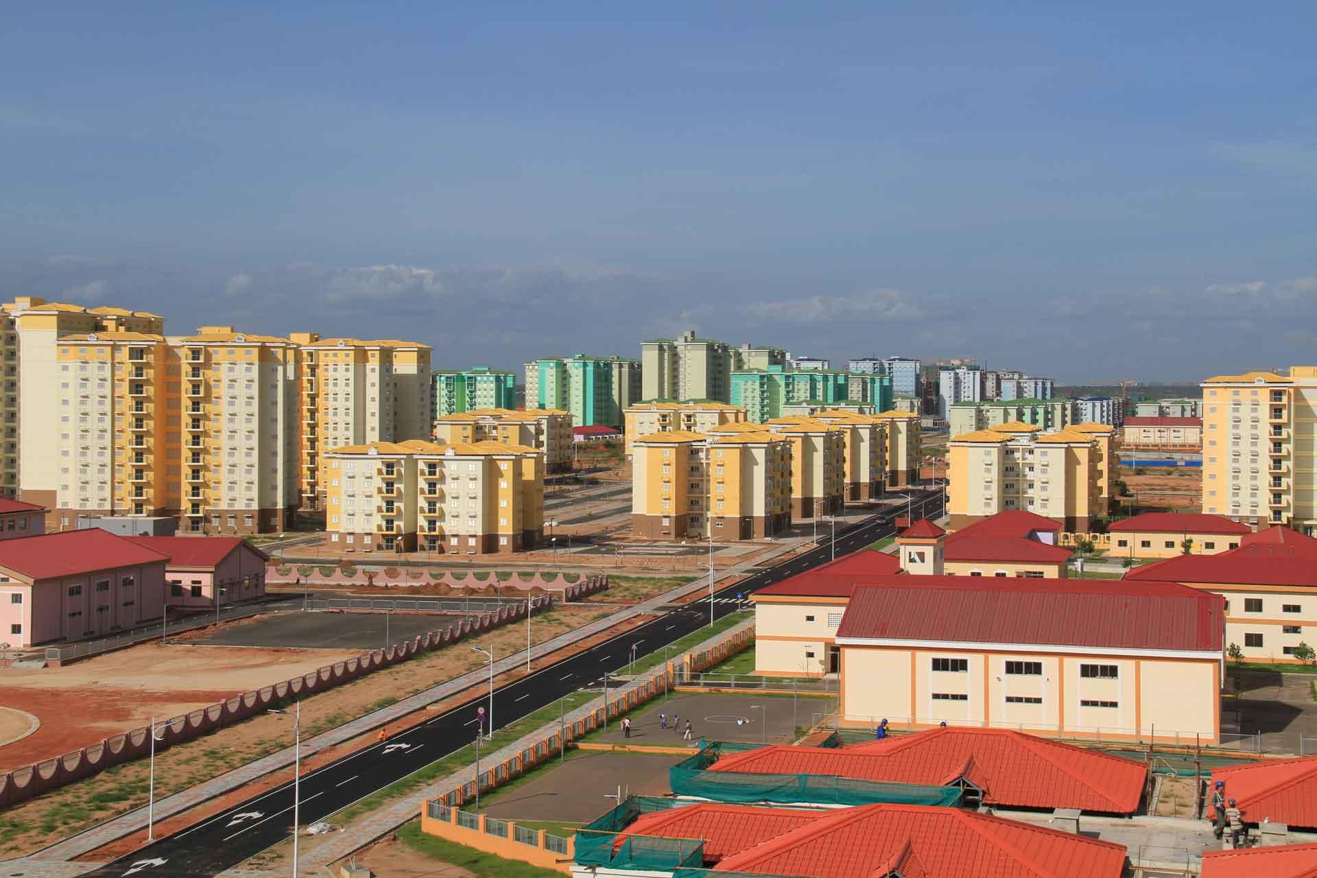 Nova-Siudad-de-Kilamba apleisti miestai 4