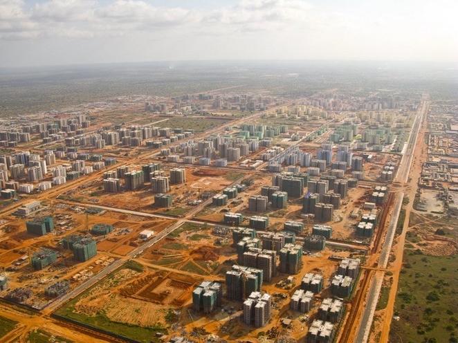 Nova-Siudad-de-Kilamba apleisti miestai