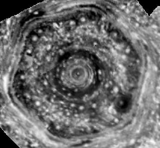 saturno heksagonas