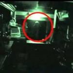 Britų bare kameros užfiksavo vaiduoklį