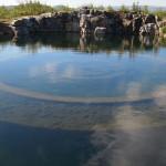 Kam skirti po vandeniu tūnantys gigantiški betoniniai nacių žiedai?