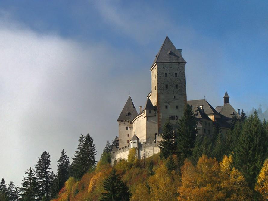 Paslaptimis apipinta Boinicų pilis
