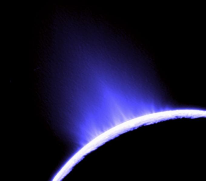 Naujas kandidatas nežemiškai gyvybei – Saturno palydovas Enceladas