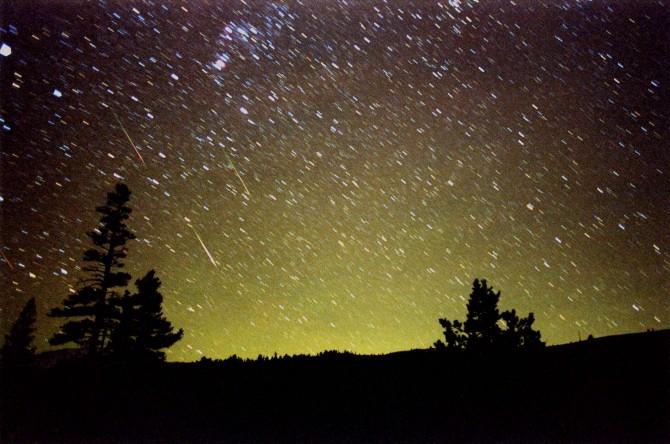 Lietuviai pasigrožėti šeštadienio meteorų lietumi negalės