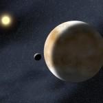 Plutonas – dvinarė planeta?