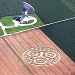 Vokietijoje aptiktas ženklas javų laukuose.